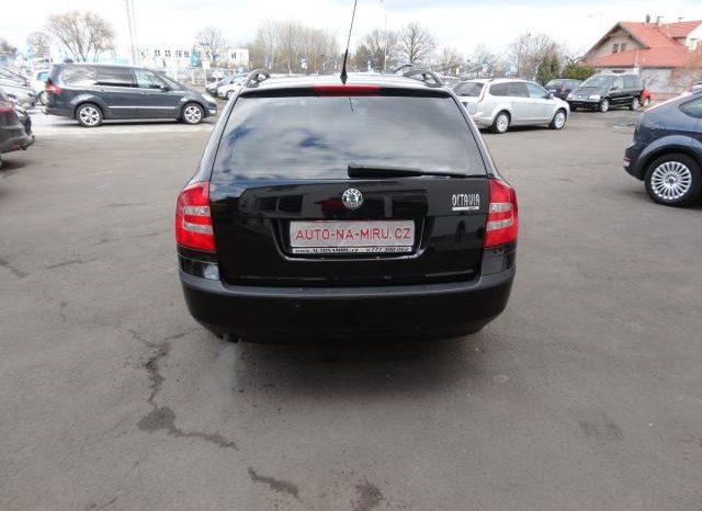 Škoda Octavia 1.6MPI 75kwTEAM 4xvyhř.sedačky full