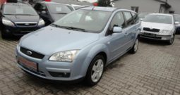 Ford Focus 1.6 74kw STYLE Tempomat, ESP
